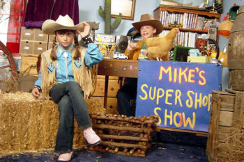 "Mike and Sally sing the ""Mike's Super Short Show,"" and hit us right in the #tbt feels"