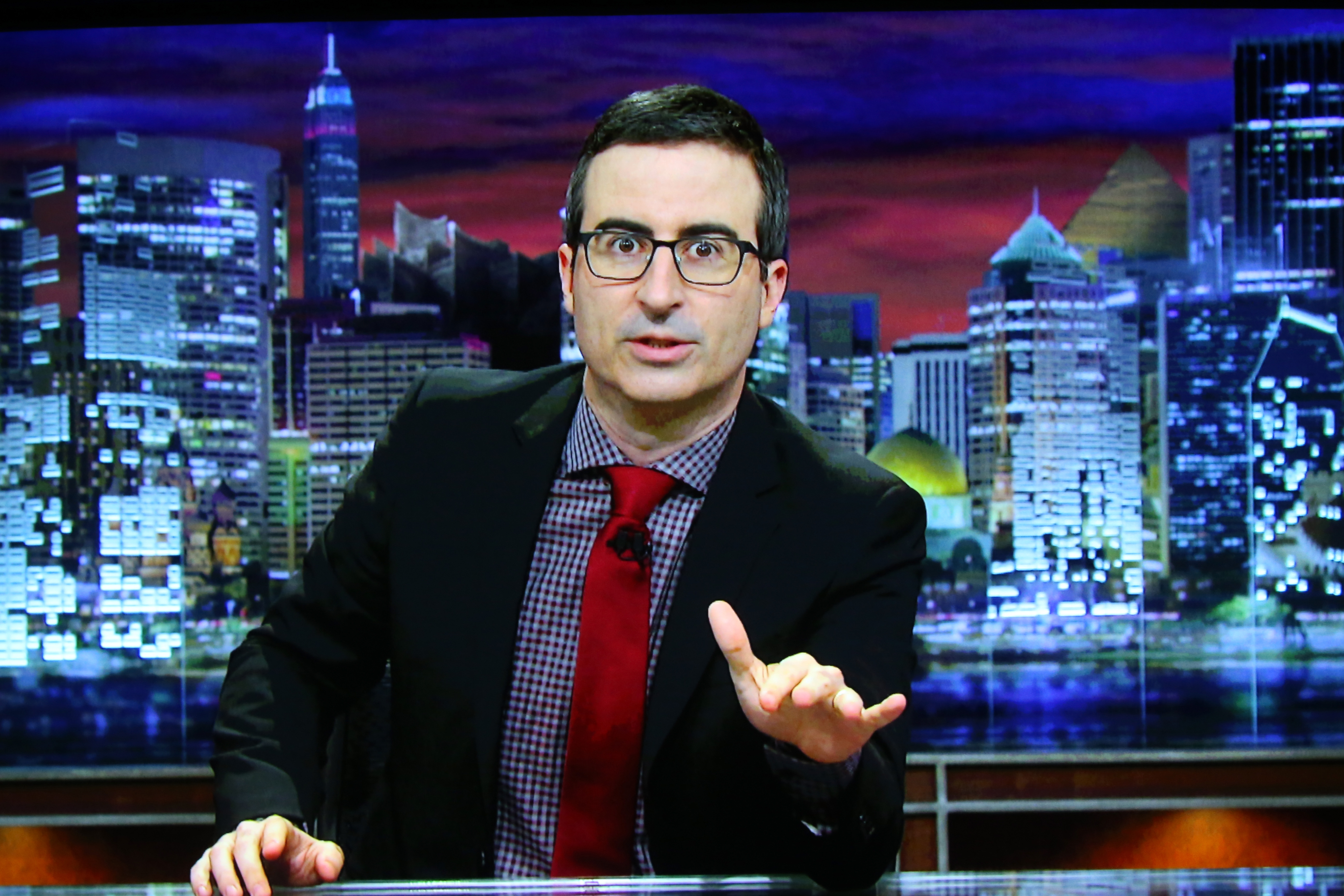 John Oliver seriously has the *best* campaign advice for Donald Trump