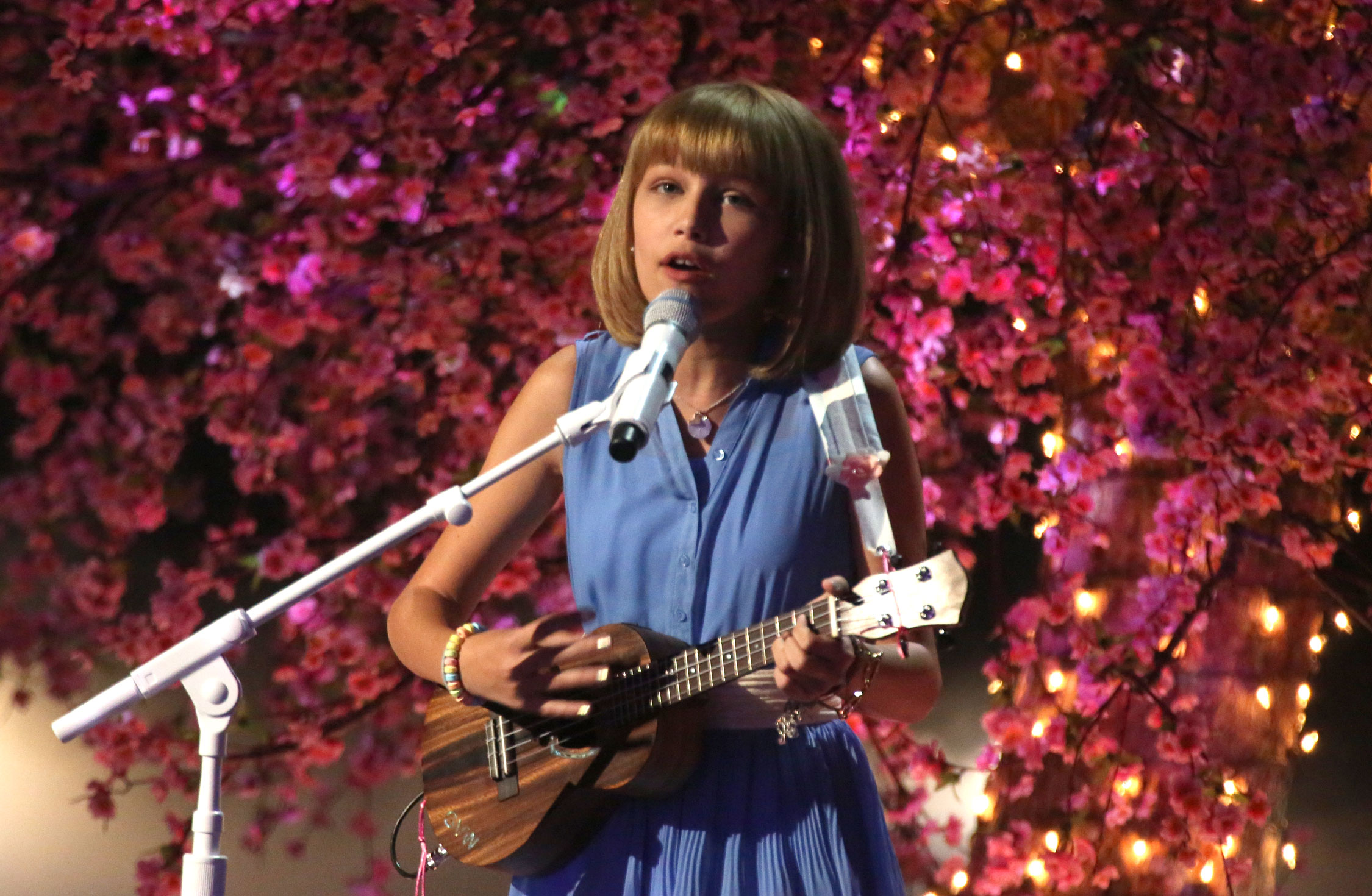 "Grace VanderWaal blows the judges (and us!) away with another original song on ""America's Got Talent"""
