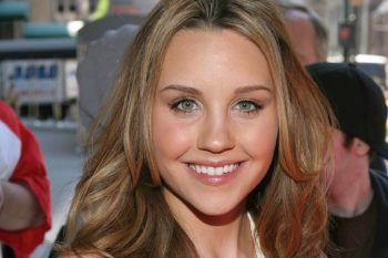 Amanda Bynes returns to Twitter and seems really happy and healthy!