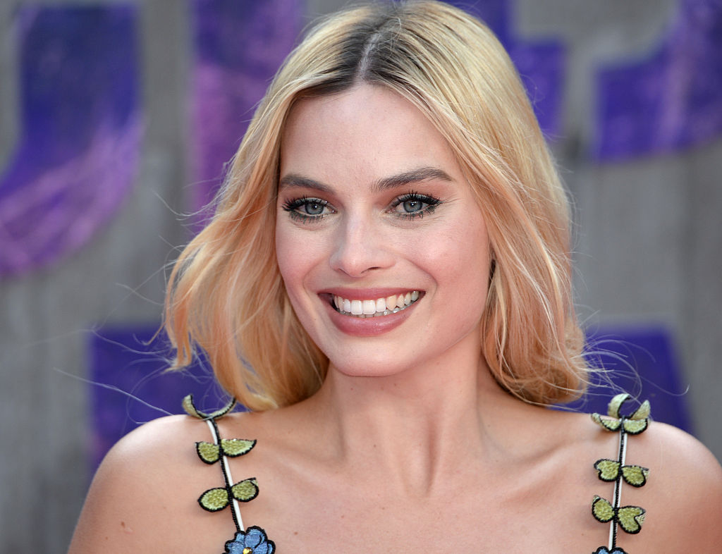 We just learned the SWEETEST thing about Margot Robbie's wedding dress