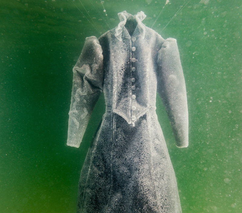 See this ethereal dress transform after spending two months in the Dead Sea