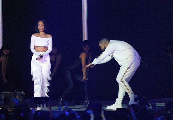 Drake just re-fueled those Rihanna dating rumors with this huge declaration of love!