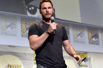 "OMG, Chris Pratt picked out his own dad in ""Guardians of the Galaxy 2"" and it's perfect"