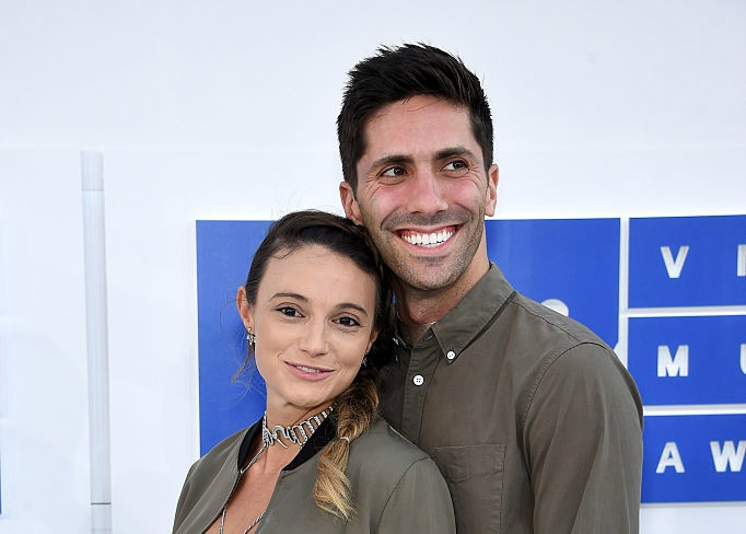 """Catfish's"" Nev Schulman's fiancée Laura Perlongo had the most daring pregnancy look at the VMAs"