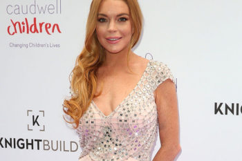 Lindsay Lohan looks super happy and healthy in this selfie (and it's making us smile)