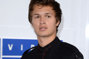 Ansel Elgort dressed like your fave pop-punk band members at last night's VMAs