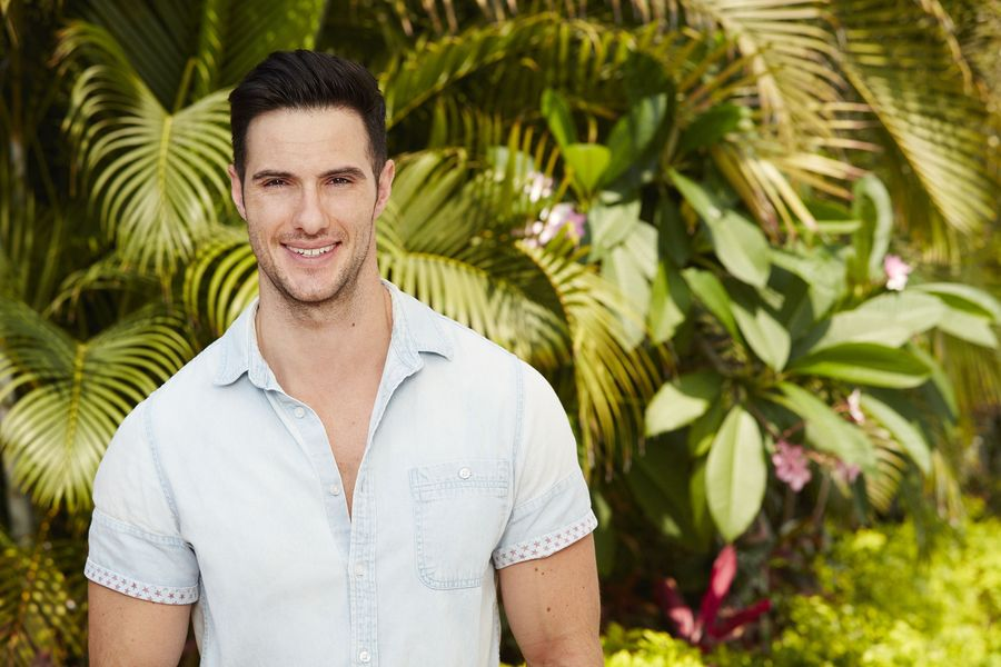 "Daniel's silly attempts to get a rose on ""Bachelor in Paradise"" are too cute"