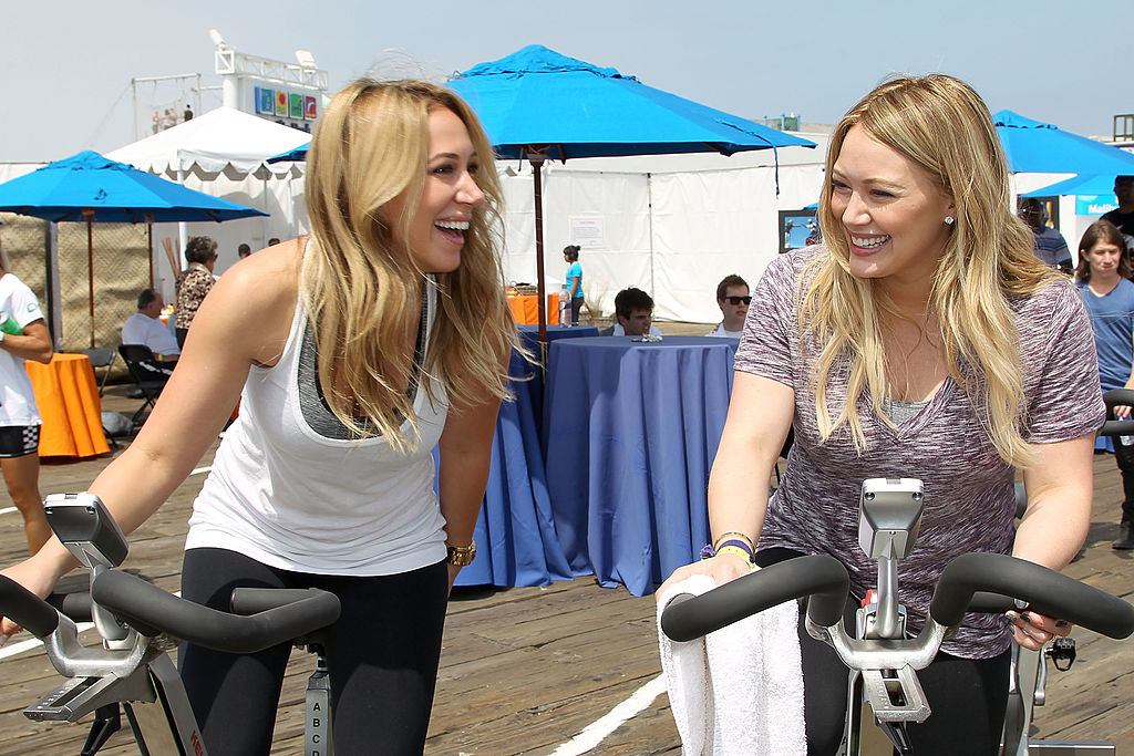 Hilary and Haylie Duff are on the ultimate sister vacation right now