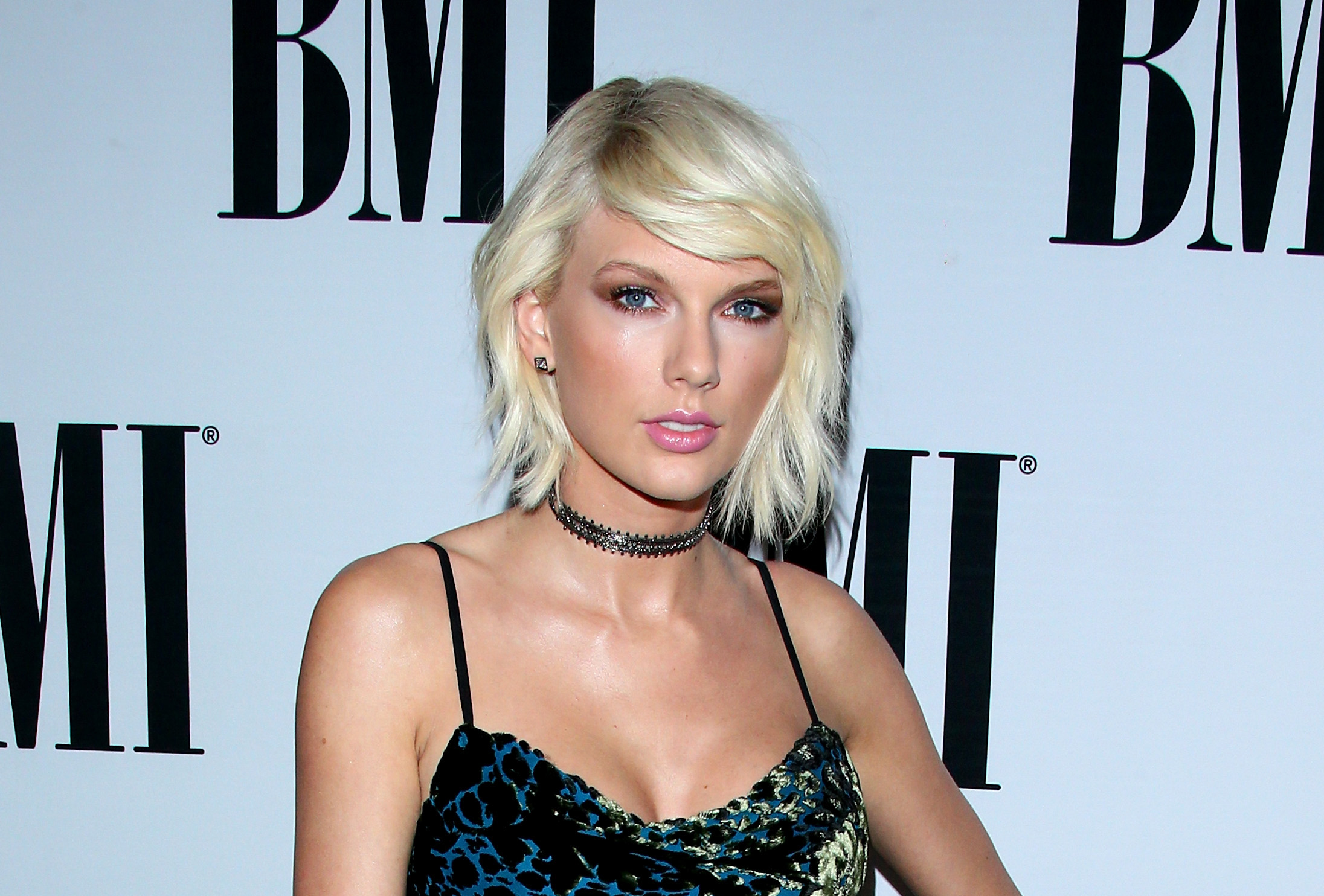 Taylor Swift keeps wearing this one type of shoe (and we can't believe we didn't notice)