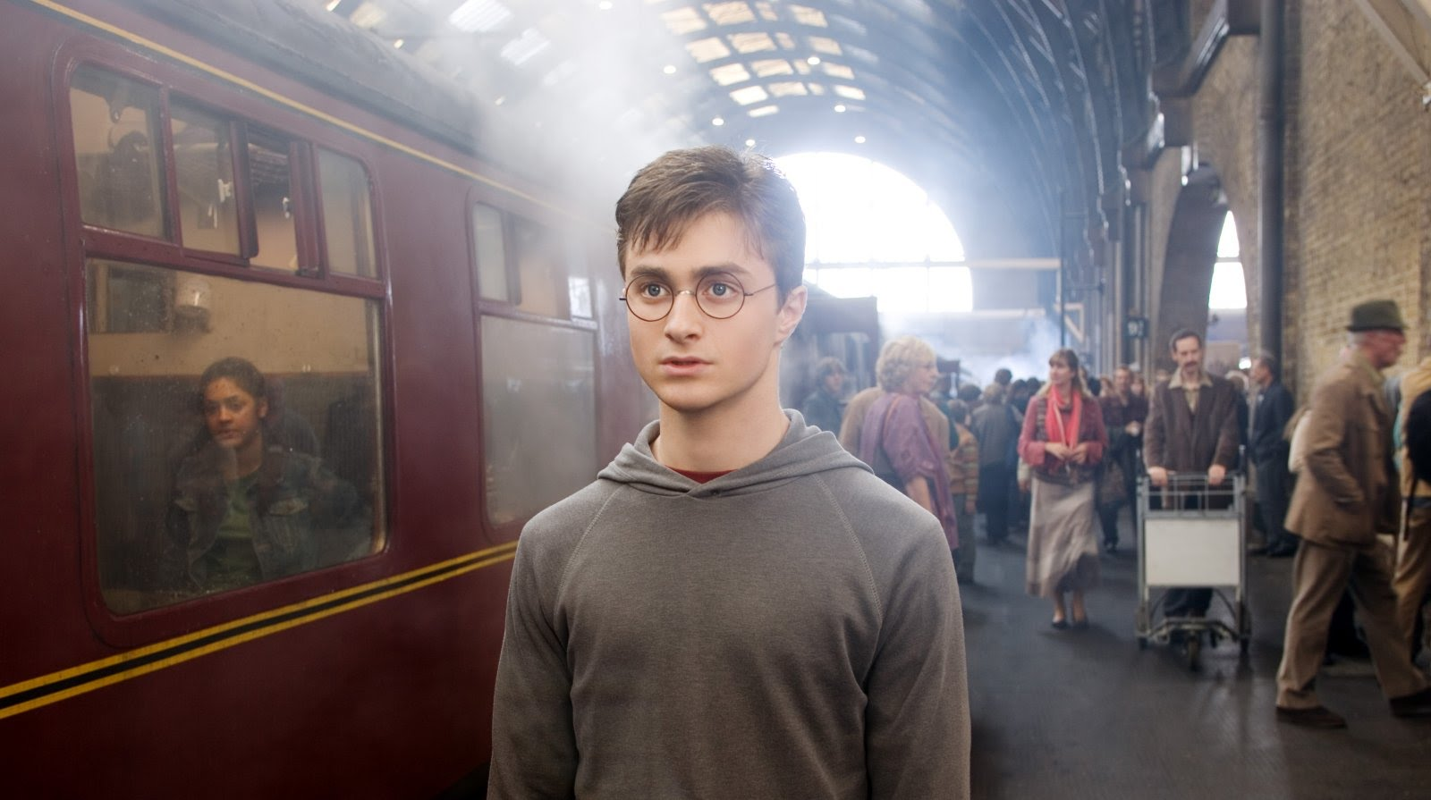 "J. K. Rowling got a Hogwarts fact mixed up, blames ""Harry Potter and the Cursed Child"""