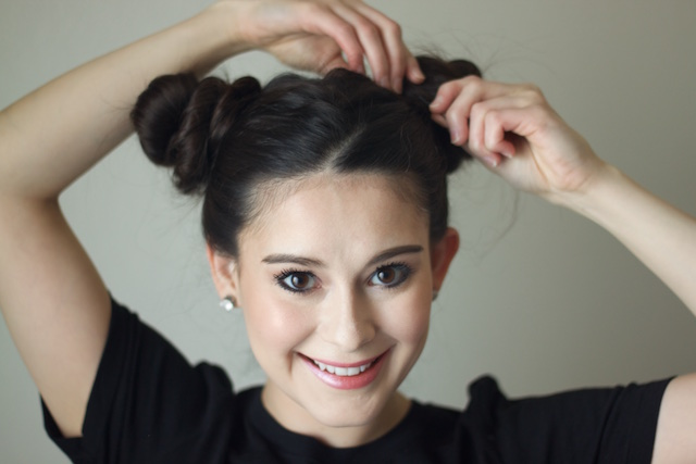 How To Do The Easy Space Buns Hairstyle Every Celebrity Loves