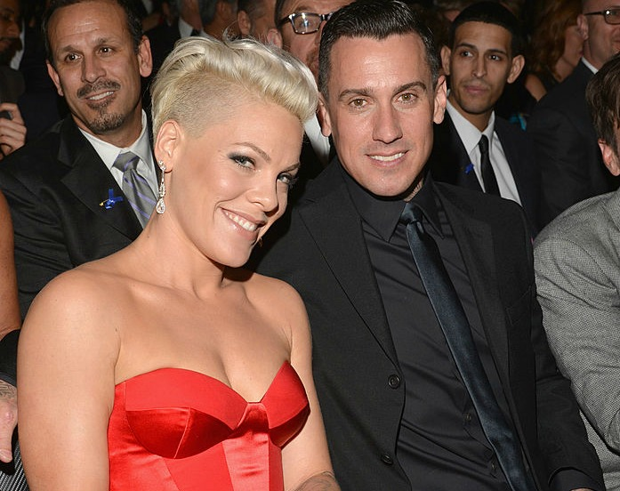 Pink just shared this romantically alt photo of her and Carey Hart from 2001