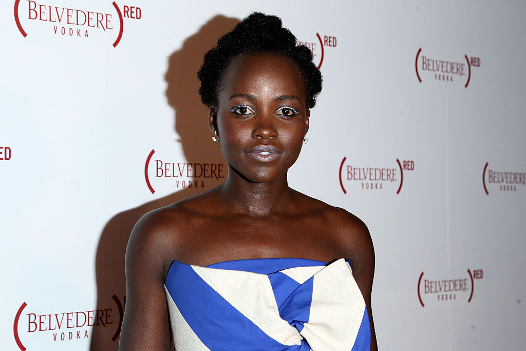 Lupita Nyong'o is bringing this retro eyeshadow back —and we love her look