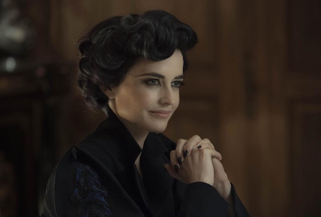 "There's a brand new clip from ""Miss Peregrine's Home for Peculiar Children"" and it's bizarrely fantastic"