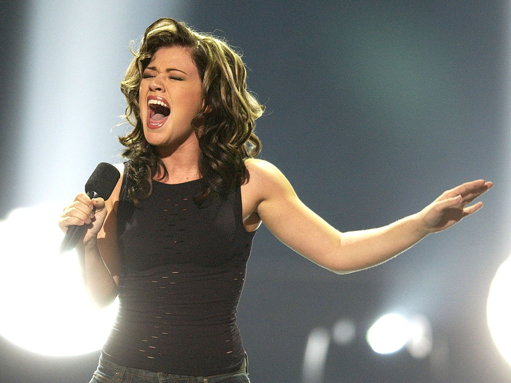 "Kelly Clarkson just posted the sweetest throwback to her ""American Idol"" victory"