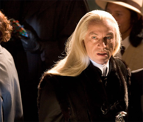 Kylie Jenner dyed her hair on Snapchat, and she's definitely going for the Lucius Malfoy look