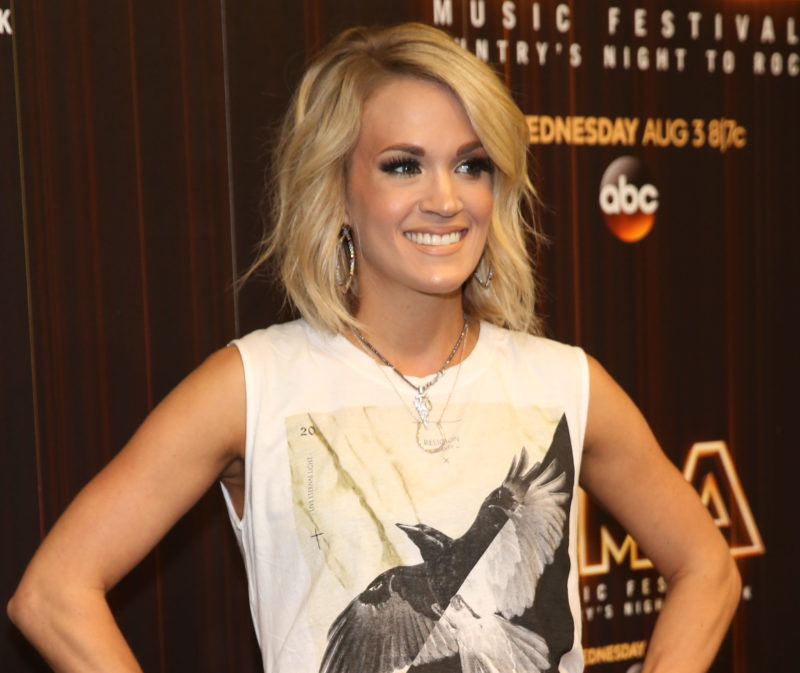 Carrie Underwood actually brings major appliances on tour with her and it's adorable