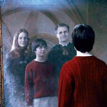 "This theory about Lily Evans and Molly Weasley is one ""Harry Potter"" theory that will make you WEEP"