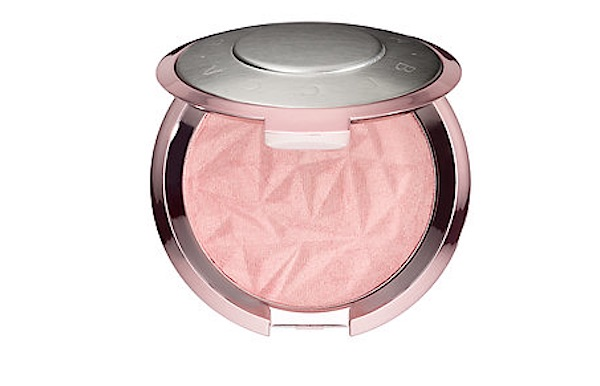 The rose gold highlighter is mesmerizing so obv we need it NOW