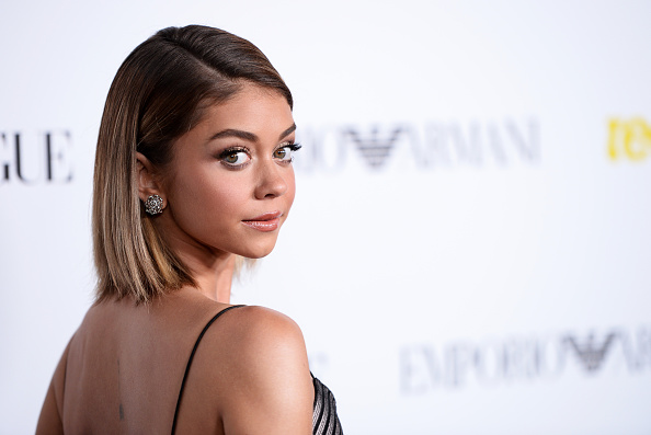 Sarah Hyland is insanely flexible in this Instagram vid
