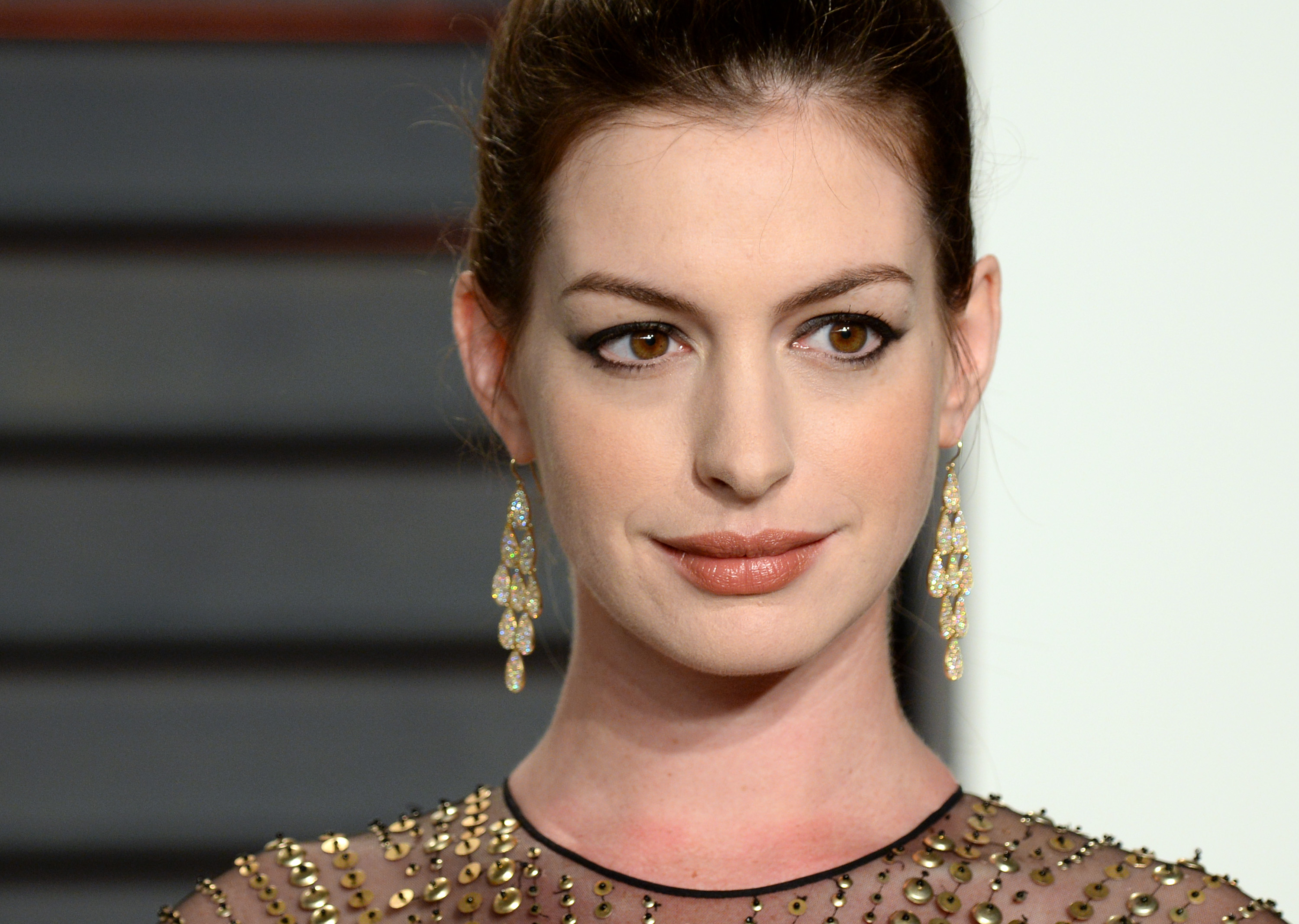 "Anne Hathaway can't wait to hang out with this ""Ocean's 8"" costar, and we totally get it"