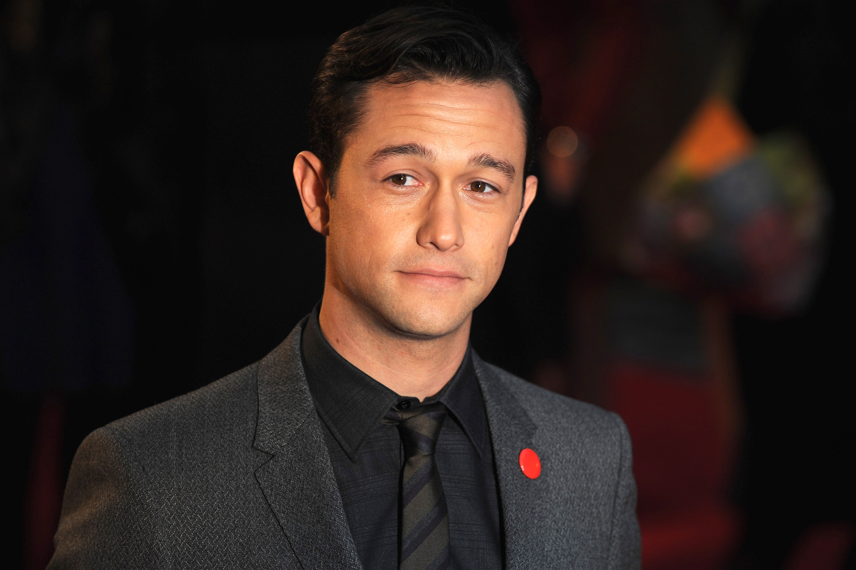 "Joseph Gordon-Levitt talks about his ""Snowden voice,"" and it's super weird, and super great"