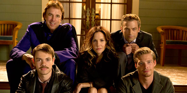 "What the cast of ""Weeds"" looked like first season versus last"