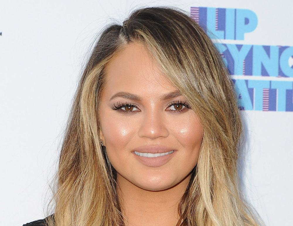 Chrissy Teigen is giving off Avril Lavigne circa 2002 vibes with her new hairdo