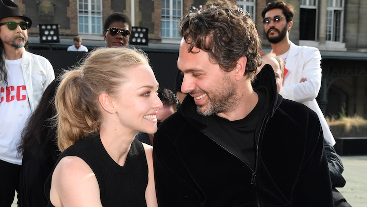 Amanda Seyfried is engaged!
