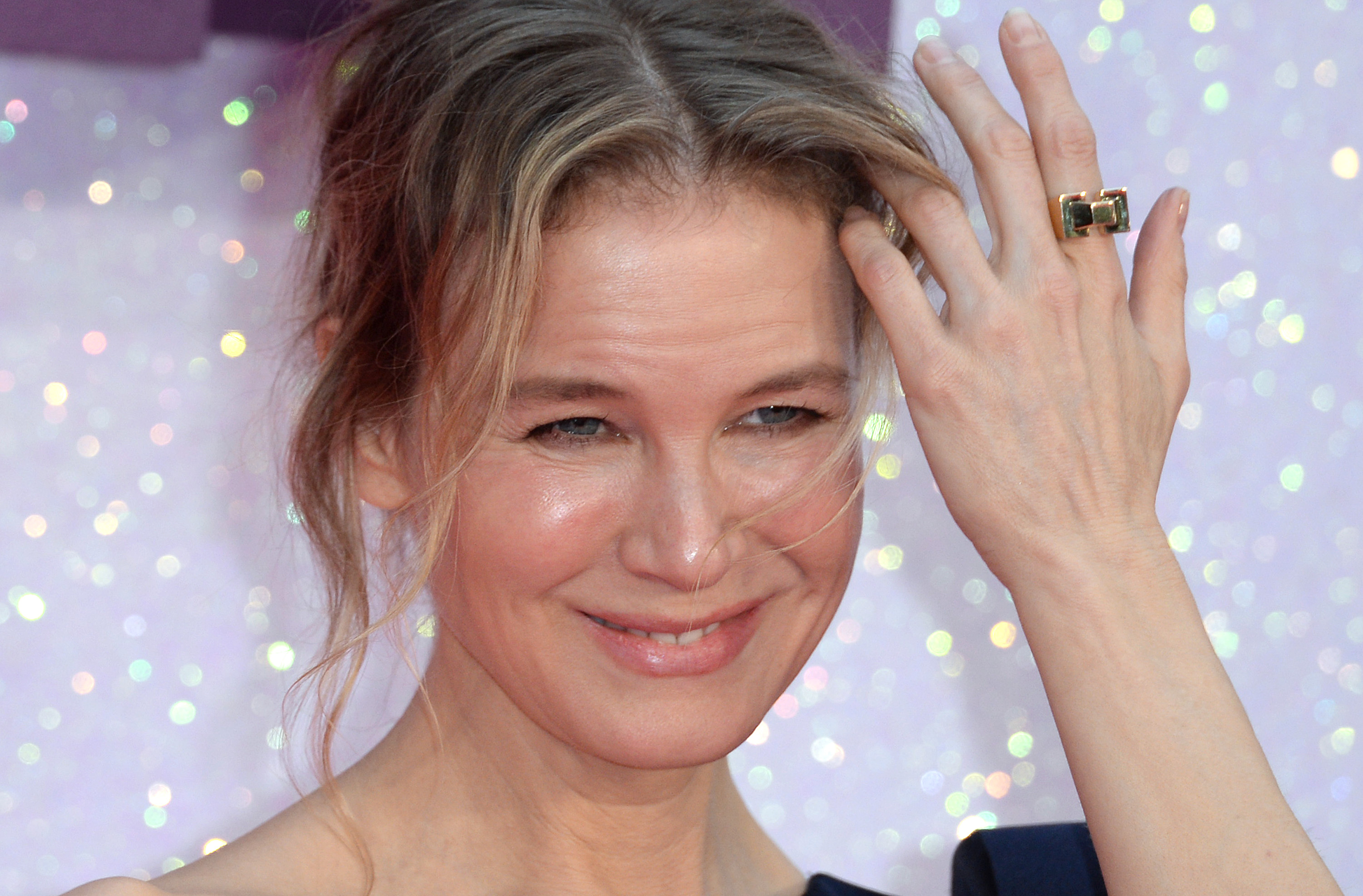 "Apparently Renée Zellweger watched A LOT of birthing videos to prepare for ""Bridget Jones's Baby,"" and that's #COMMITMENT"