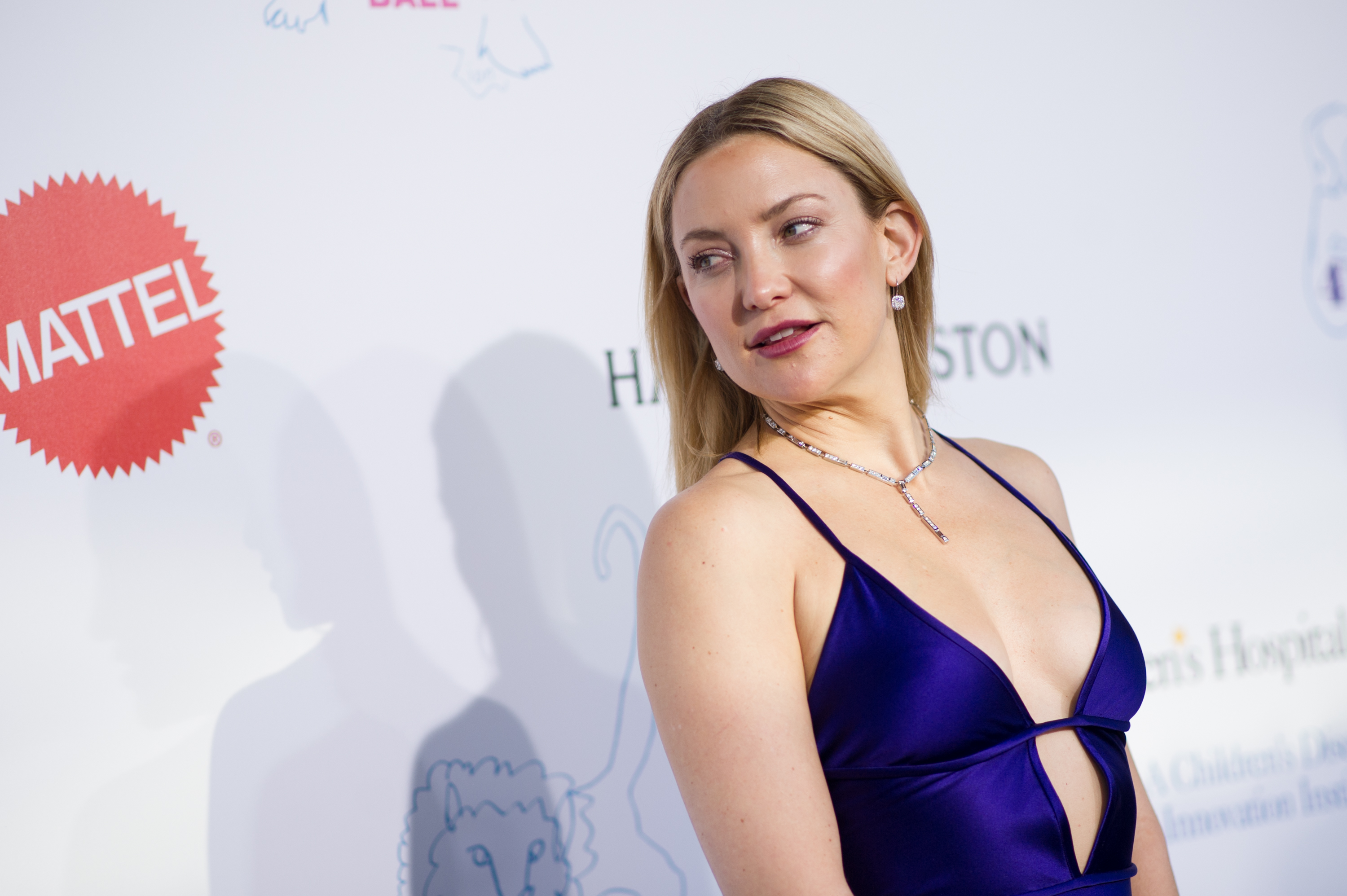 Kate Hudson has this super down-to-earth thing to say about motherhood, and we're cheering