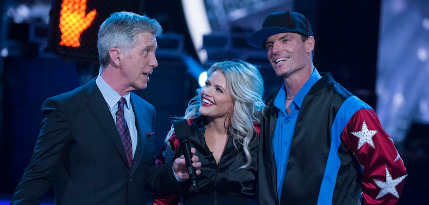 """Vanilla Ice cha-chas to """"Ice Ice Baby"""" on """"Dancing with the Stars"""" and it's the most perfect moment of the decade"""