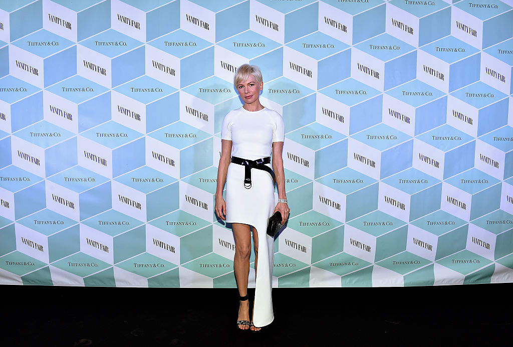 Michelle Williams looks like a fairy pixie dream at the Vanity Fair dinner party
