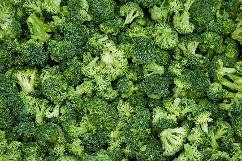 Here's why you should be using broccoli oil on your face