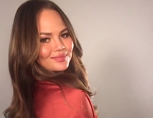Chrissy Teigen just got straight, blunt bangs and they are to die for