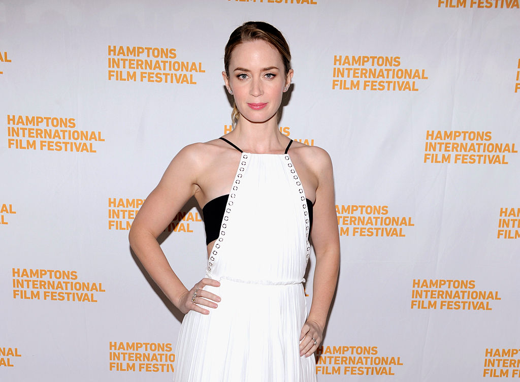Emily Blunt dyed her hair the perfect shade of blonde for fall