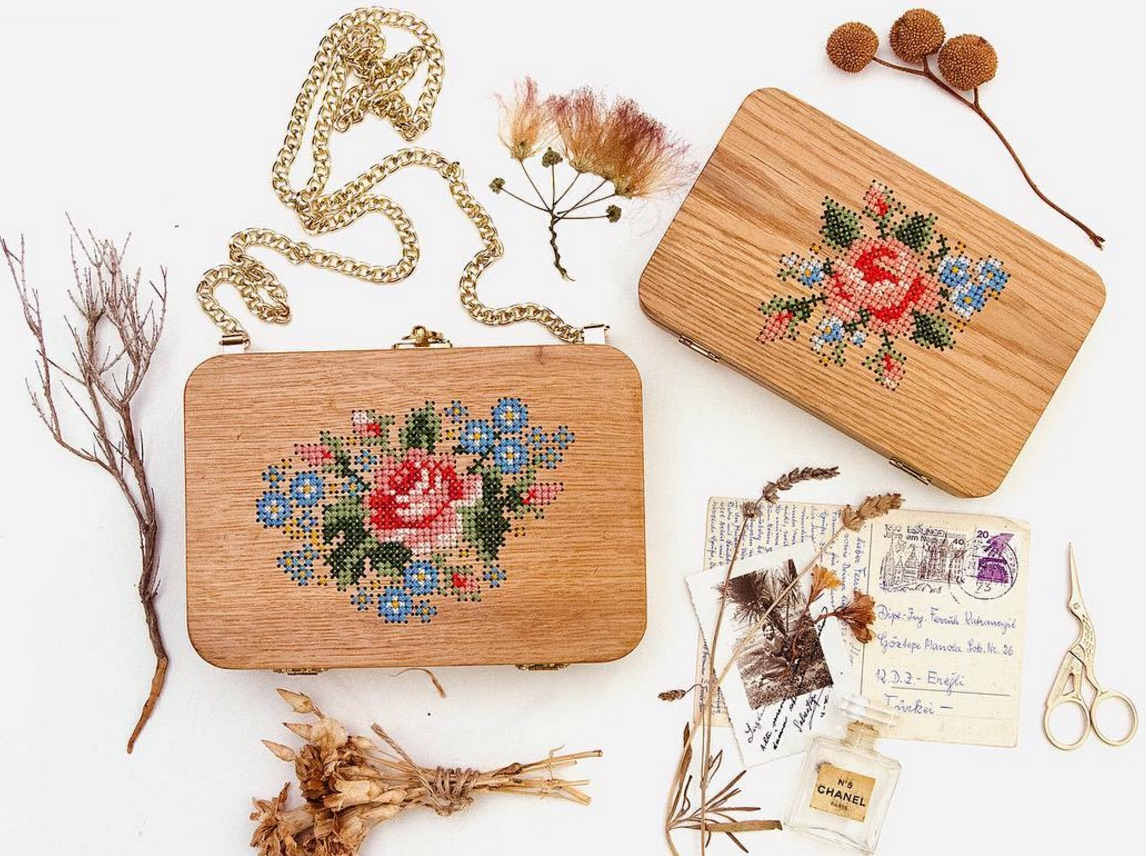 We're mesmerized by these gorgeous wooden bags