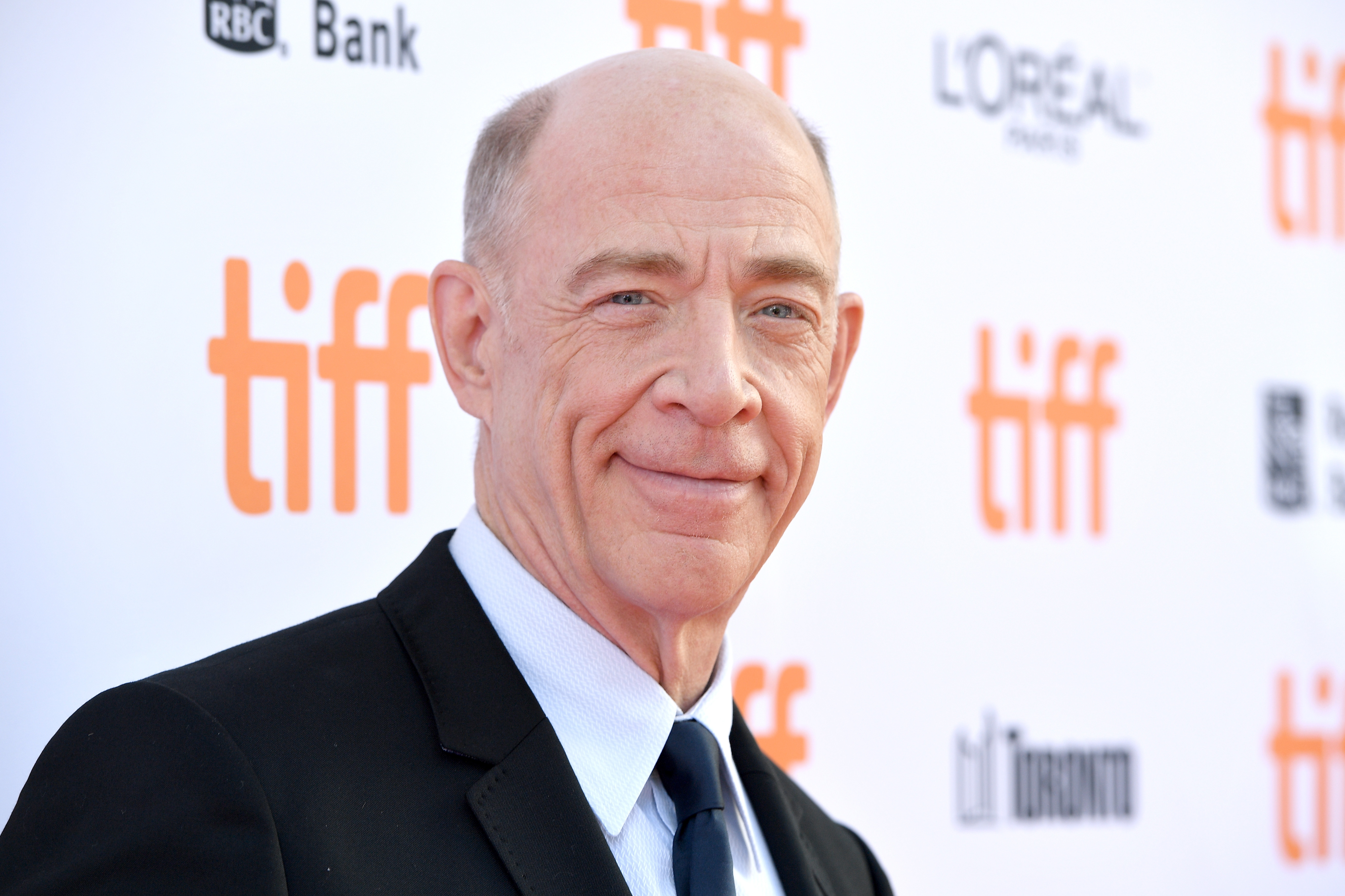 We just got a glimpse into J.K. Simmons as Commissioner Gordon and we like what we see