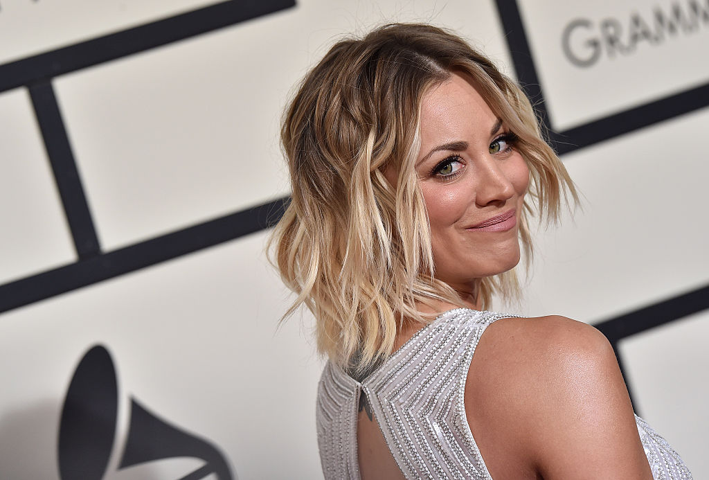 "Kaley Cuoco's wedding dress on ""The Big Bang Theory"" is what vintage dreams are made of"