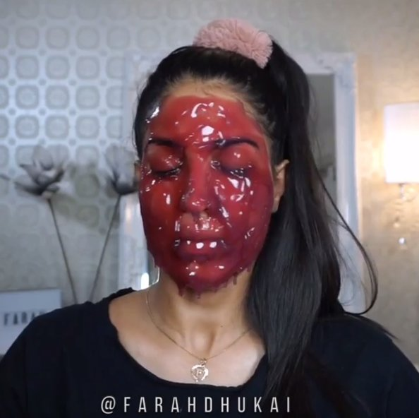 This mask for glowing skin looks like blood, is clearly perfect for Halloween beauty routines