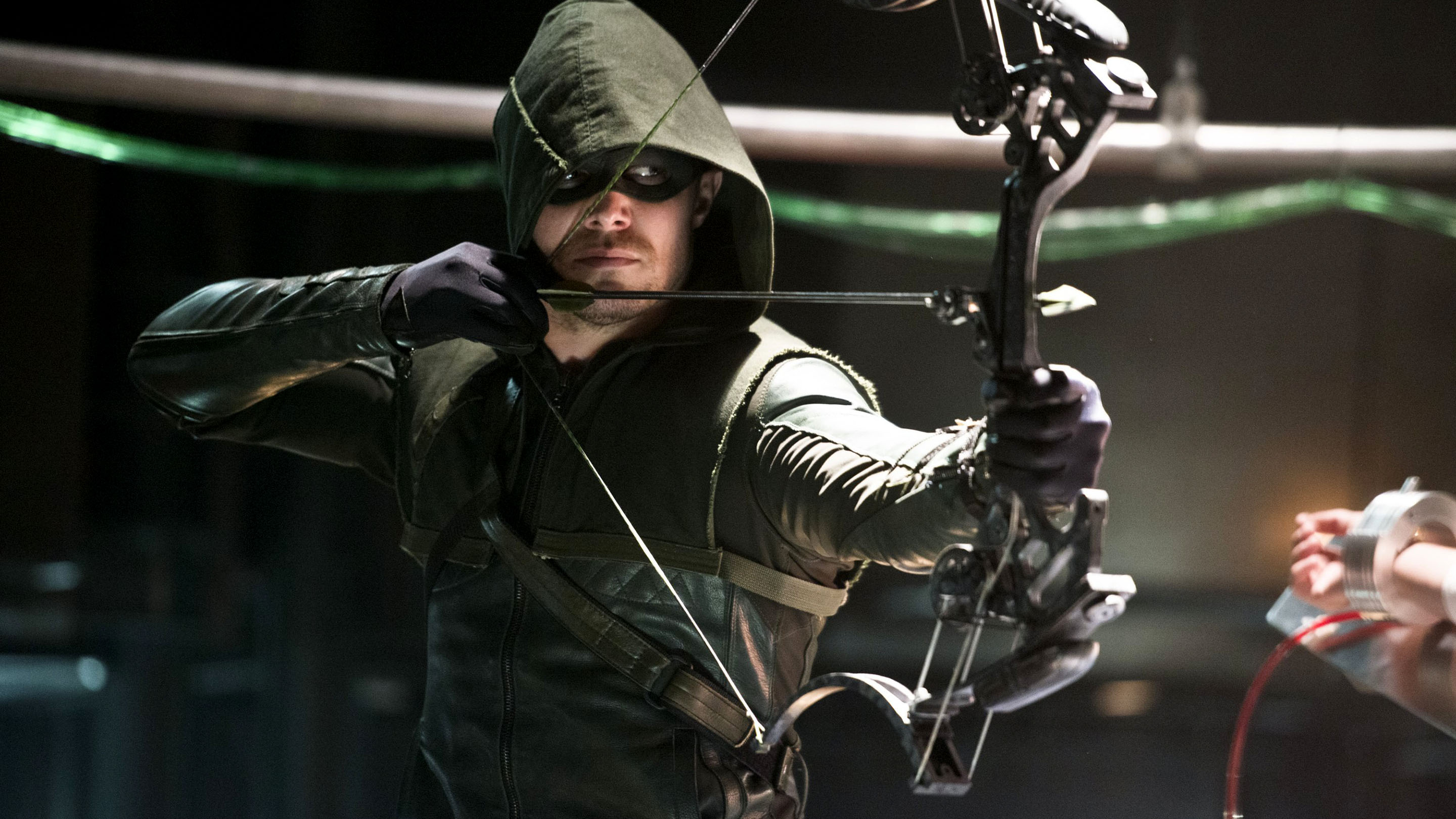 This new 'Arrow' Season 5 trailer is getting us insanely excited