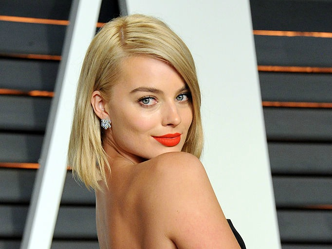 Just so you know, online dating freaks Margot Robbie out