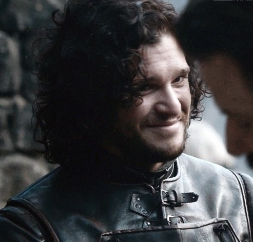 Jon Snow and Khal Drogo hugging it out IRL is bringing us so much joy