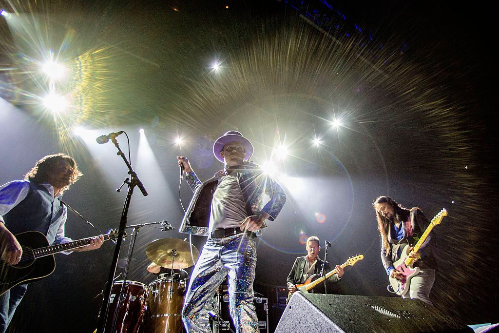 This is amazing: Canadian band The Tragically Hip raises more than a million dollars for brain cancer research