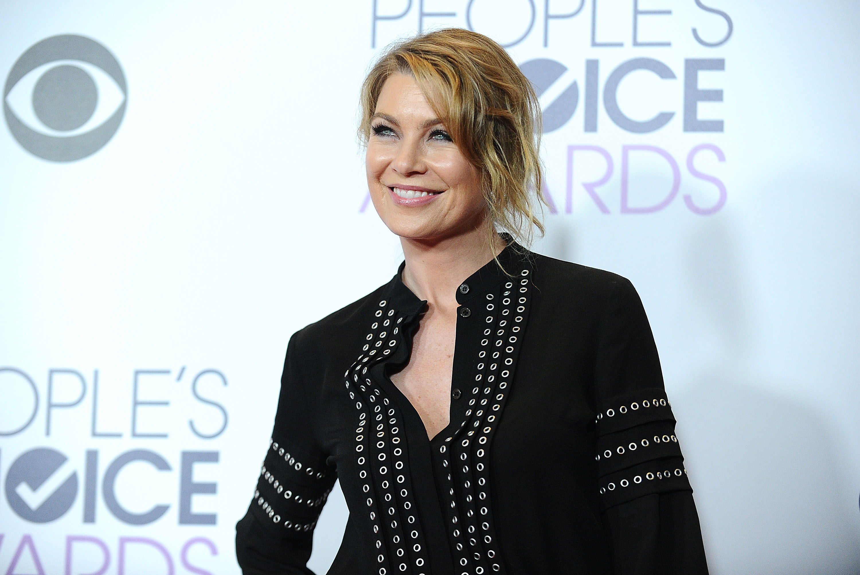 "Ellen Pompeo letting loose on the set of ""Grey's Anatomy"" is the happiest thing we've ever seen"