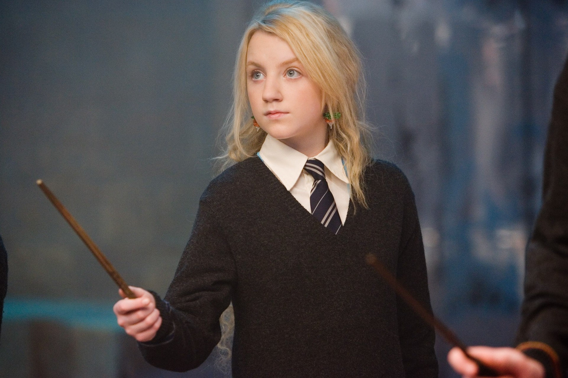 Evanna Lynch (aka Luna Lovegood) just discovered her patronus and she is NOT amused