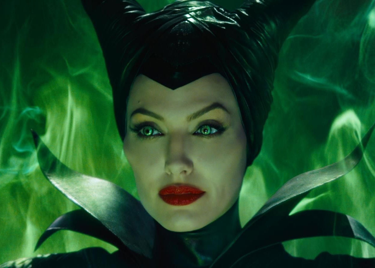 This two-faced Maleficent makeup tutorial is eerily perfect for Halloween