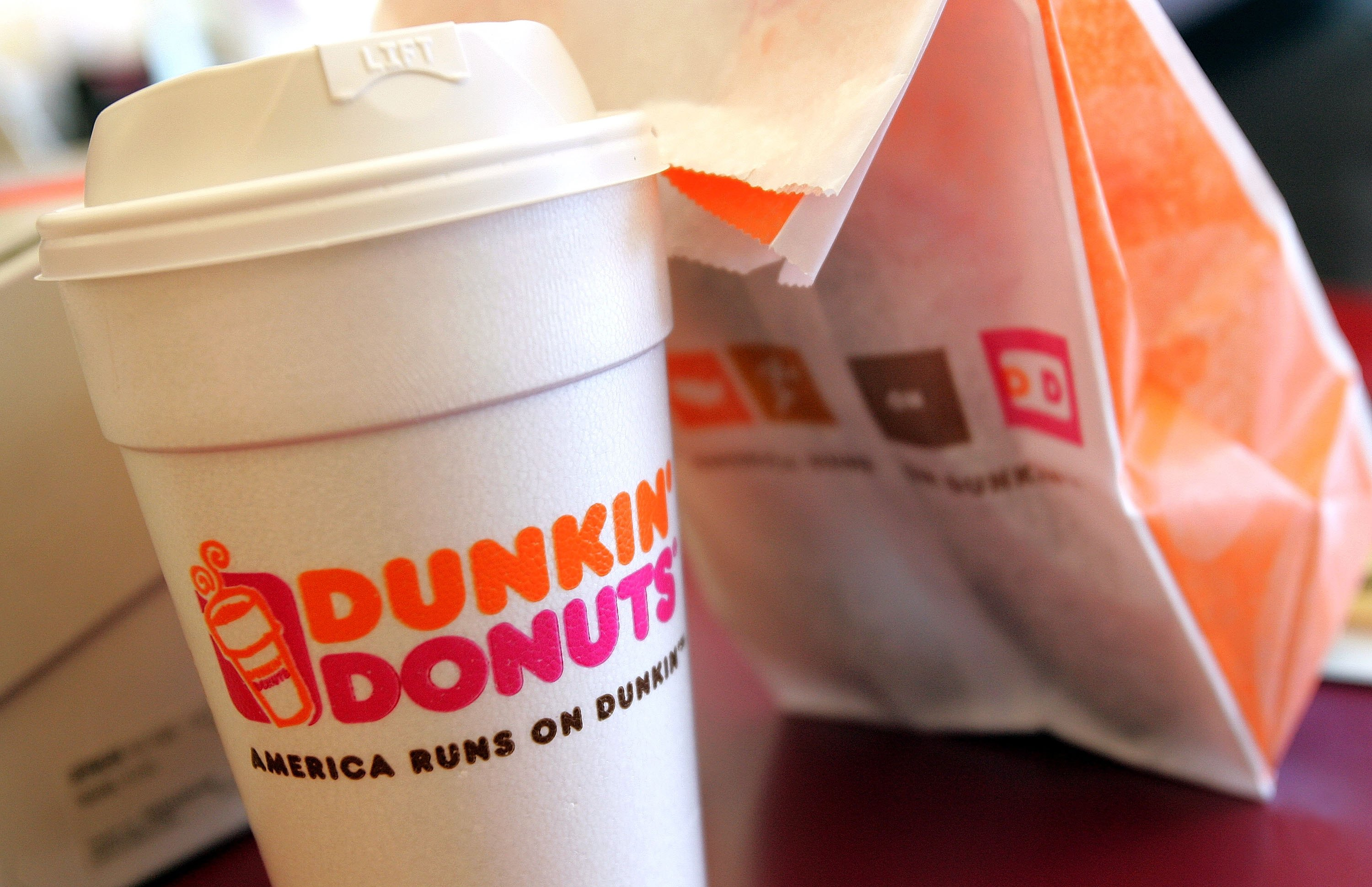 Welp, looks like people are dyeing their hair with Dunkin' Donuts coffee now