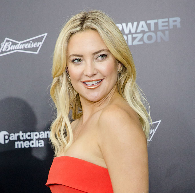 Kate Hudson rocks a daring dress with a plunging neckline and we're obsessed